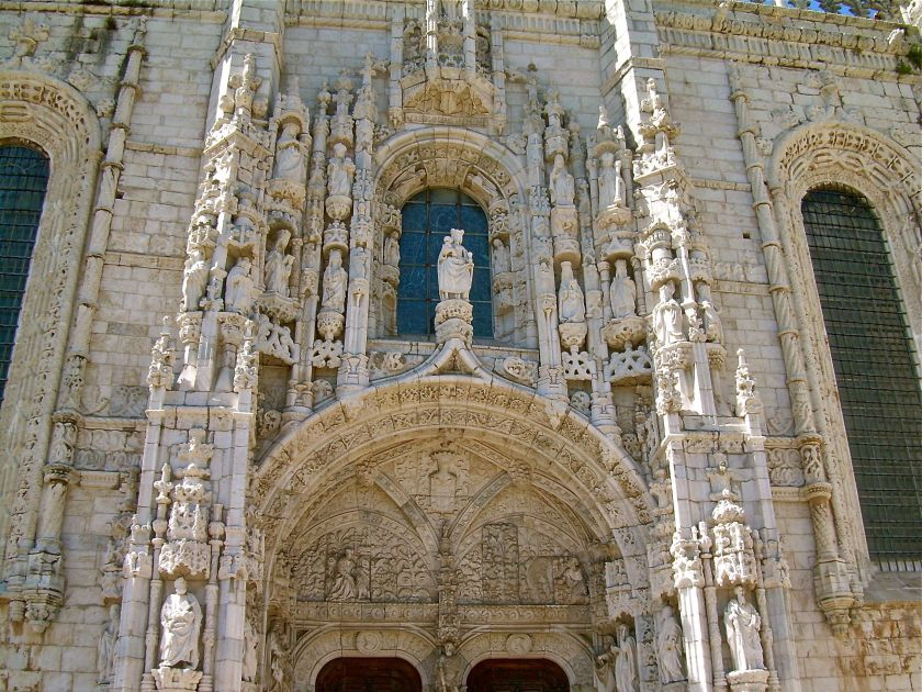 King Manuel petitioned the Holy See for permission to construct a monastery at the entrance of Lisbon